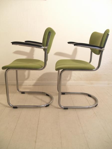 De wit buisframe zwevende stoel eetkamerstoel jaren 60