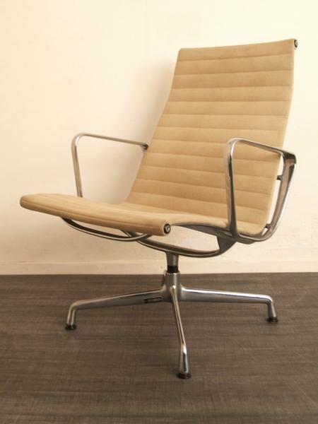 Creme Kleurige Fauteuil.Eames Ea 115 Louge Chair Fauteuil Voor Vitra Vintage Living Shop